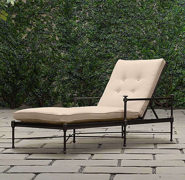 Catalina Chaise Painted Metal