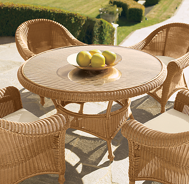 Hampshire Round Dining Table