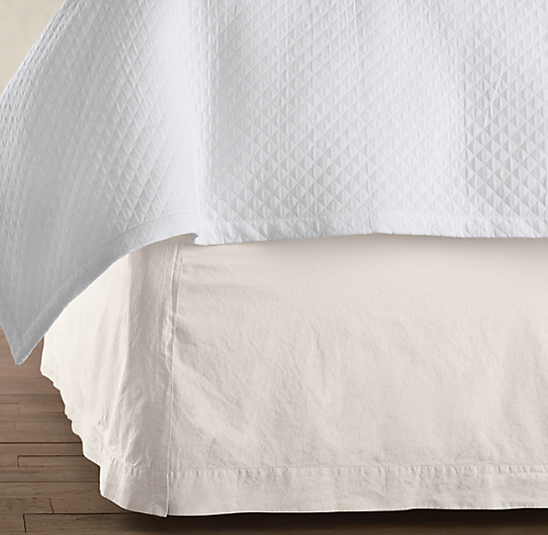 Italian 50-Year-Wash Vintage Bed Skirt