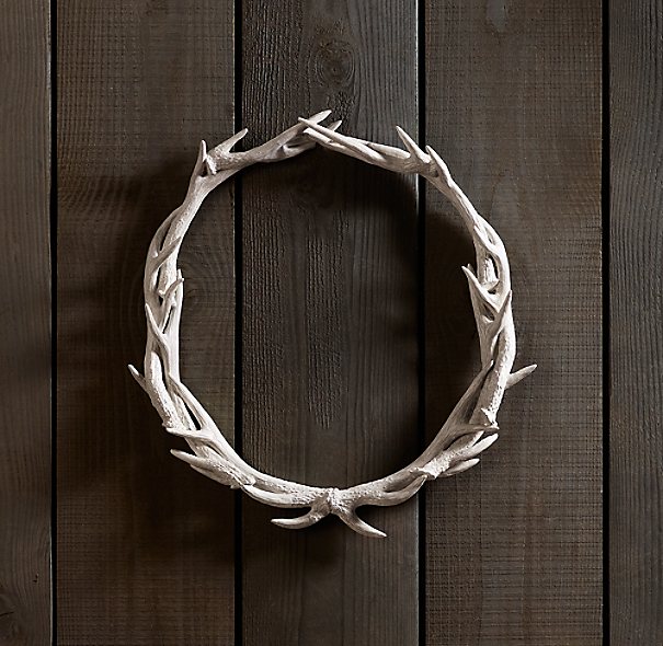 "Weathered Antler Wreath 24"" - White"