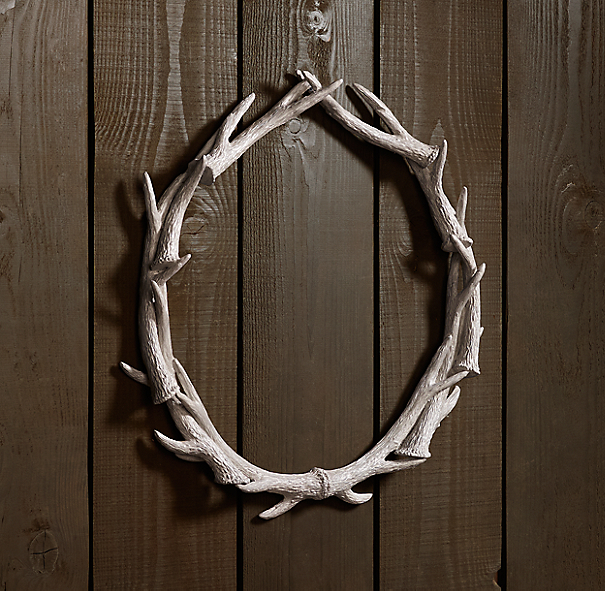 "Weathered Antler Wreath 30"" - White"