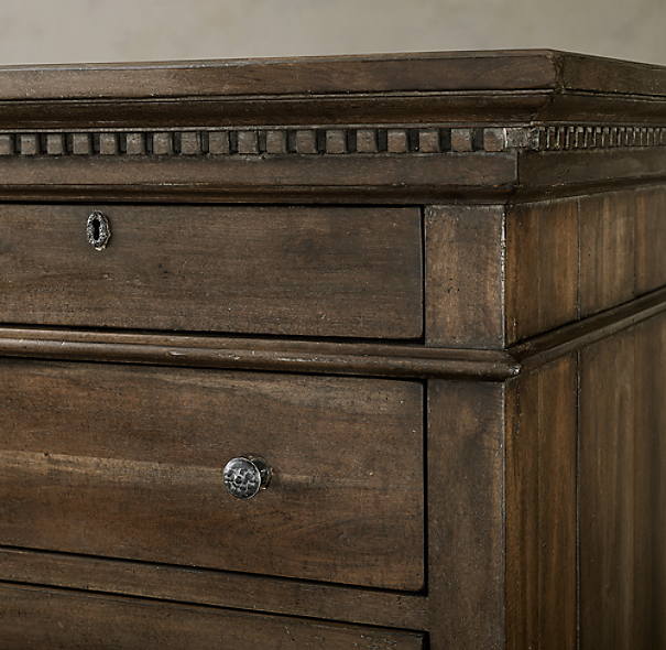 St. James 11-Drawer Dresser