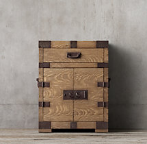 Heirloom Silver-Chest Short Bath Cabinet