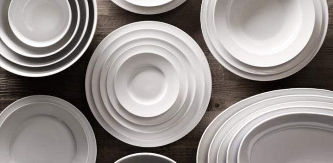 Chinese Porcelain Grand-Rimmed Dinnerware Collection & Chinese Porcelain Grand-Rimmed Dinnerware Collection - White | RH