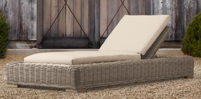 Chaises & Lounge