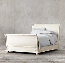 St. James Sleigh Bed With Footboard