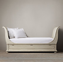 St. James Sleigh Daybed