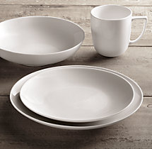 Chinese Porcelain Classic Coupe 16-Piece Dinnerware Set with Classic Coupe Soup Bowl
