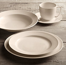 Chinese Porcelain Grand-Rimmed 20-Piece Dinnerware Set with Grand-Rimmed Soup Bowl