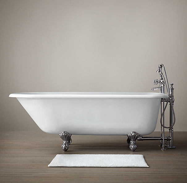 Classic Victorian Clawfoot Tub With Deckmount Tub Fill And Handheld Shower