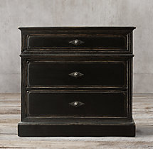 "Montpellier 32"" Closed Nightstand"