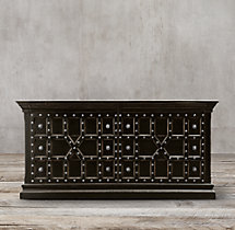 17th C. Castelló 8-Drawer Dresser