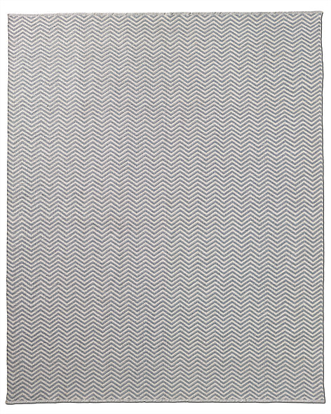 Chevron Flatweave Outdoor Rug - White/Silver
