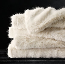 Ultra Faux Fur Oversized Throw - Cream